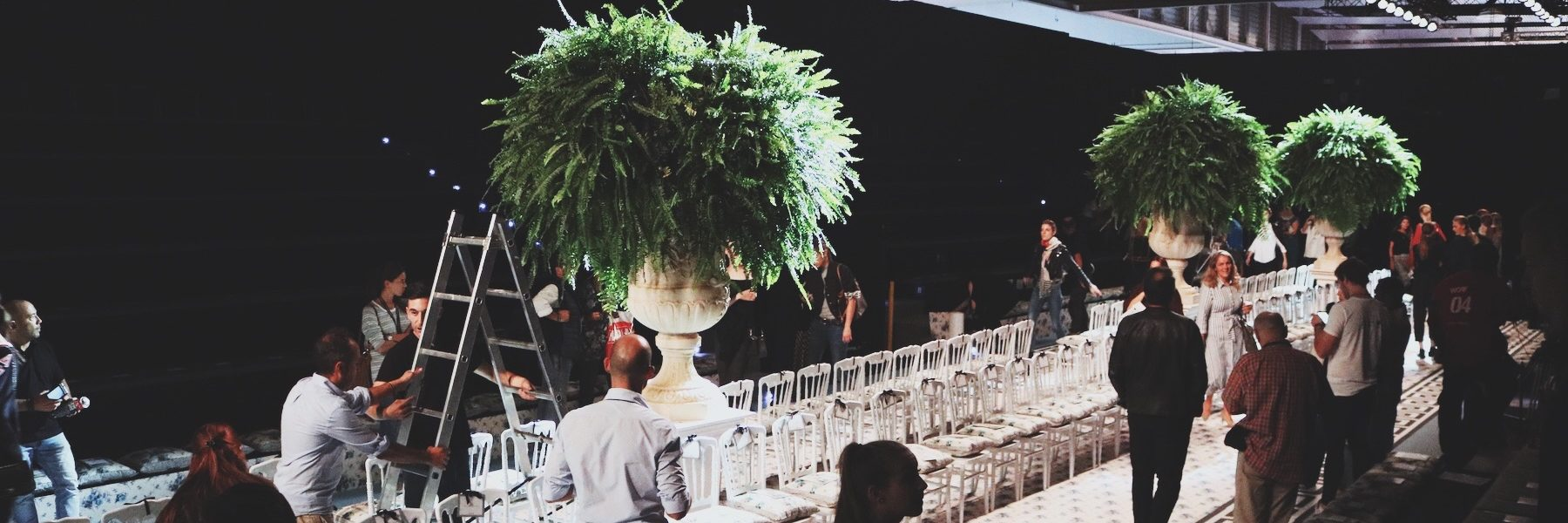Nos adentramos en los momentos previos al desfile de Jorge Vázquez ¿Cómo se monta uno de los fashion shows más esperados?
