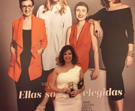 Ana Rosa Quintana recibe el premio Mujerhoy, que reconoce a las mujeres más sobresalientes de España