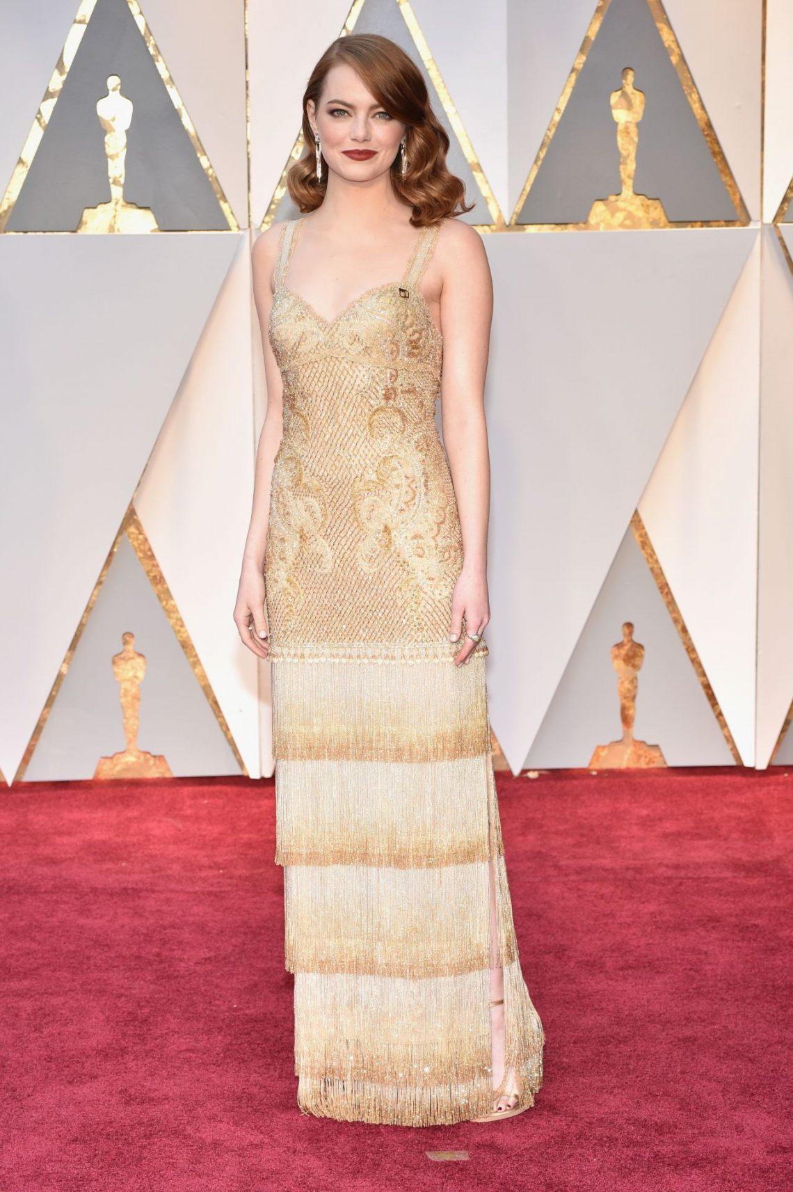 Emma Stone apuesta por NARS para su look beauty. Aquí va la lista de productos con los que triunfó