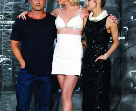 Charlize Theron deslumbra de Dior en la premiere de Atomic Blonde