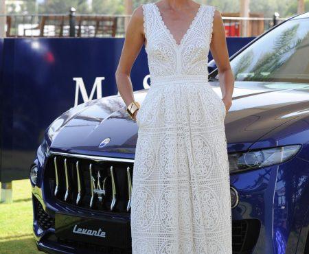 Nieves Álvarez y su sencillo (pero ideal) vestido blanco que tú también puedes copiar