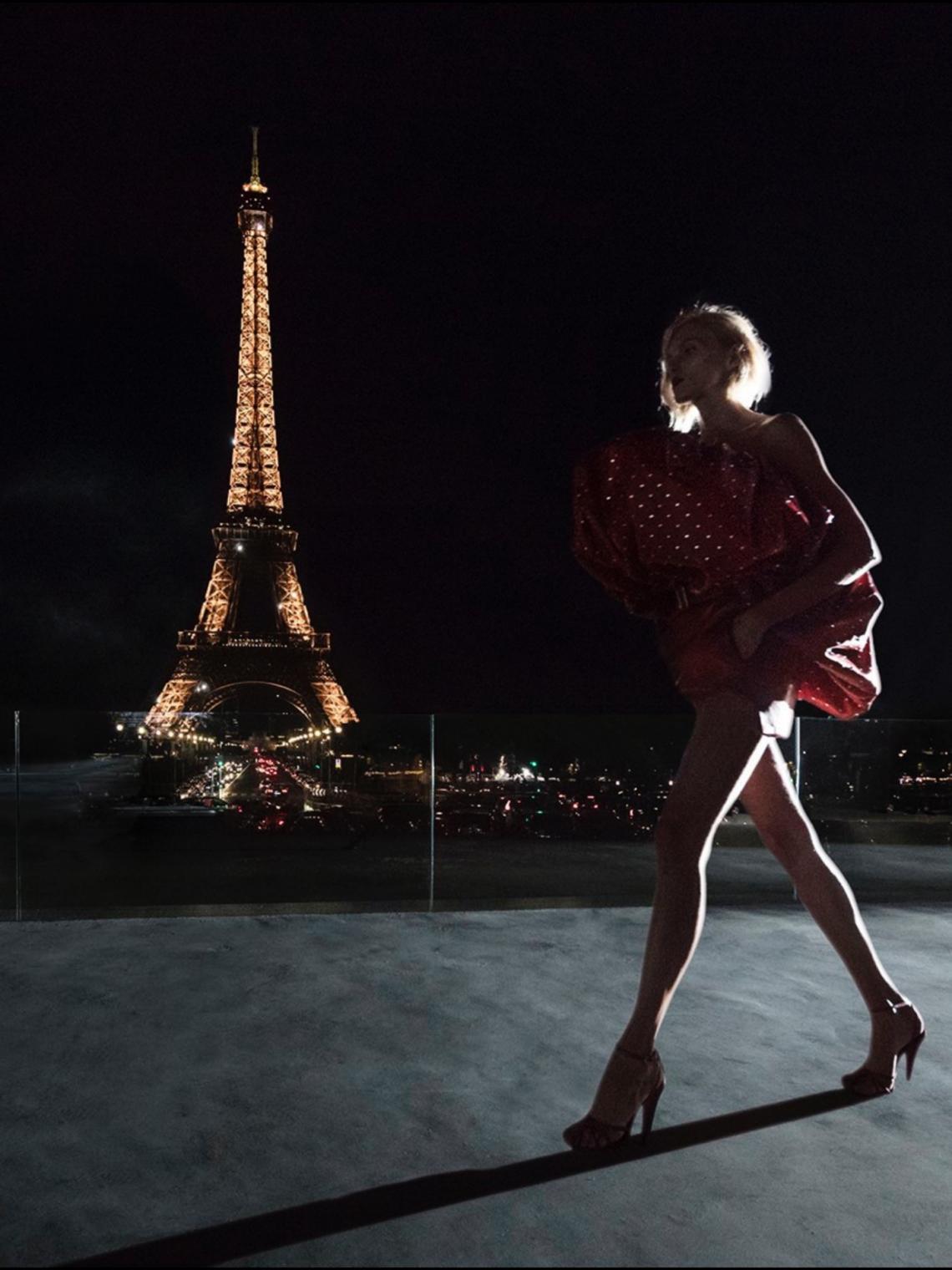 Sabemos por qué YSL eligió la Torre Eiffel como escenario de su desfile y nos parece un detalle precioso