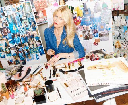 Claudia Schiffer celebra sus 30 años en la moda diseñando una colección de maquillaje
