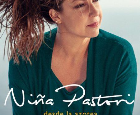 Niña Pastori recibe un premio muy especial en el Salón Internacional de la Moda Flamenca
