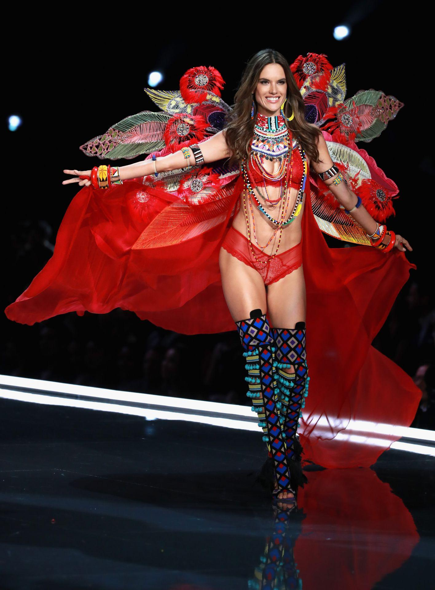 Alessandra Ambrosio wears look made with Swarovski crystals at VSFS (4)
