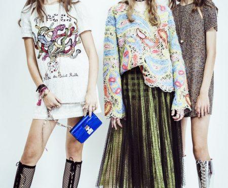 Instagram se llena de las pulseras de algodón de Dior (y a estas alturas, casi imposibles de conseguir)
