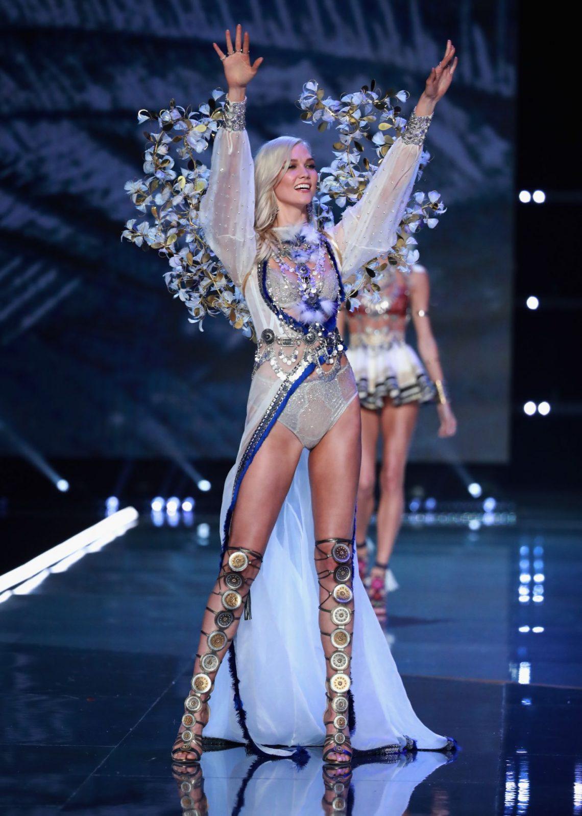 ¿Cuánto pesan las alas de los ángeles de Victoria's Secret? Los datos del desfile 'más brillante' celebrado en Shangái