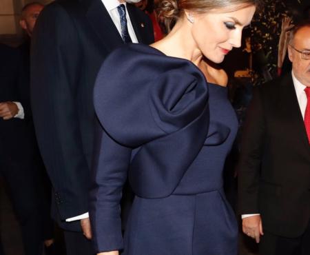 ¿Es el look de la última aparición de la reina Letizia el más bonito hasta la fecha? Creemos que sí