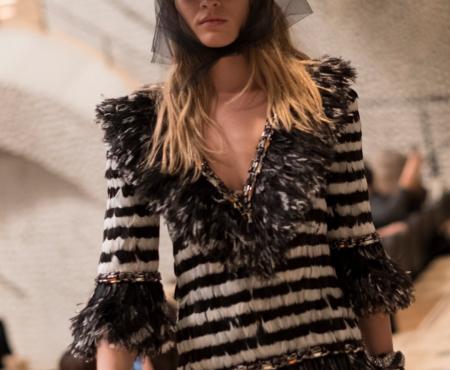 En el backstage de la Colección Métiers d'Art de Chanel está el peinado de moda para la próxima temporada