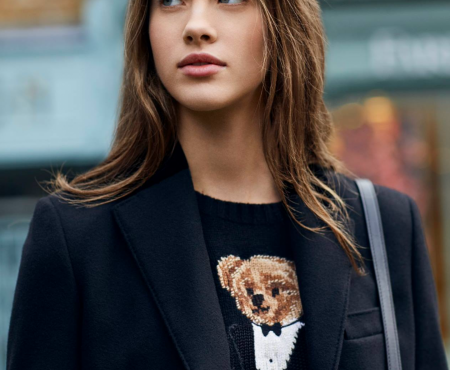 Sabemos cuál es la nueva prenda viral de Ralph Lauren (y no nos puede parecer más entrañable)