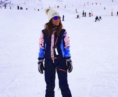 ¿Navidad en la montaña? Inspírate con los looks de esquí con los que Paula Echevarría ha desafiado al frío