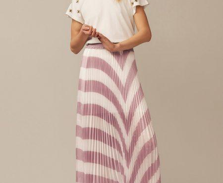 Así es la falda a la que caerás rendida esta primavera (y estas son todas las versiones que hemos encontrado)