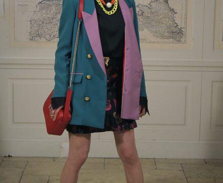 Vanesa Martín elige la blazer que nos dejó sin palabras en el desfile de La Condesa para los Premios Cadena Dial
