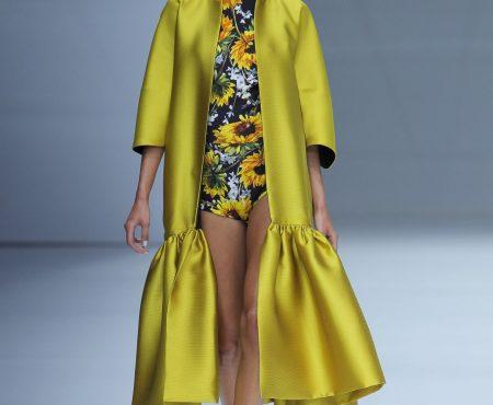 Todos los vestidos que queremos los tiene Sophie et Voilà (y el complemento estrella de esta primavera se ha colado en su desfile)