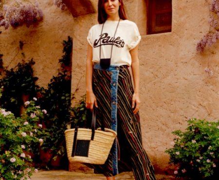 El street style ha hablado… Este es el complemento preferido de la colección cápsula de Loewe que rinde tributo a la isla de Ibiza