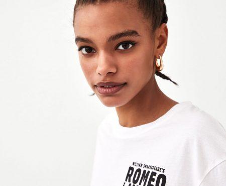 Zara convierte en objeto de deseo una camiseta de nuestra peli favorita de los 90 ¿sabes de cuál se trata?