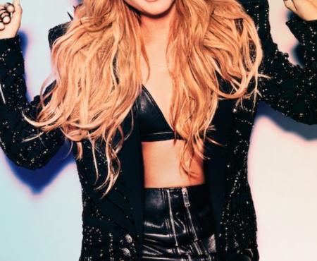 Vuelve Paulina Rubio y lo hace con 'Desire (Me tienes loquita)', el primer single de su esperado álbum de estudio
