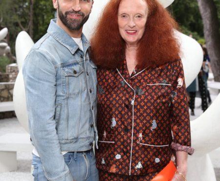Los gatos de Grace Coddington (ex directora creativa de Vogue), el charm de lujo de la nueva colección de Louis Vuitton