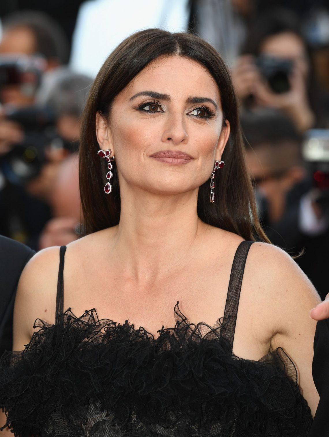 Crea tu propio beauty look como el de Penélope Cruz en Cannes (sabemos TODOS los productos que utilizó y nos FASCINA su labial)