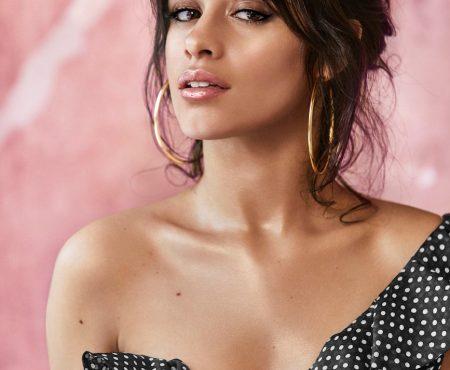 La nueva colección de maquillaje 'Havana' de Camila Cabello tiene ese producto que necesitas (como la crema de efecto bronceado)