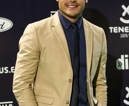 Carlos Rivera encandila a España con su nuevo trabajo 'Guerra' y se posiciona en el Nº1 de ventas en nuestro país