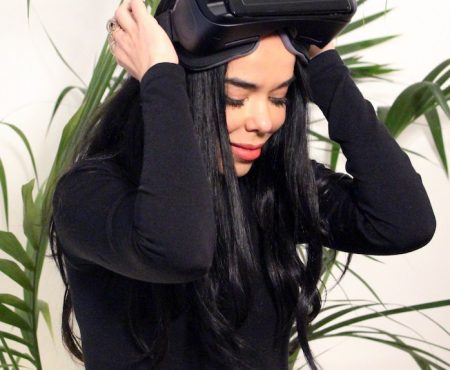 LOS40 lanza una novedosa aplicación de realidad virtual para acercarte a tus artistas favoritos (y Beatriz Luengo nos ha emocionado en la presentación)