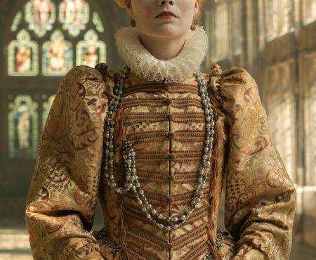 Llega a los cines una de las películas más esperadas, 'María, reina de Escocia' (y el vestuario no te dejará indiferente)