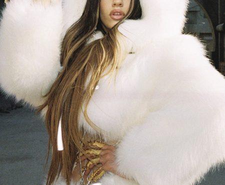 """""""Aute Cuture"""", la nueva canción de Rosalía en la que queda patente su particular visión de la moda"""