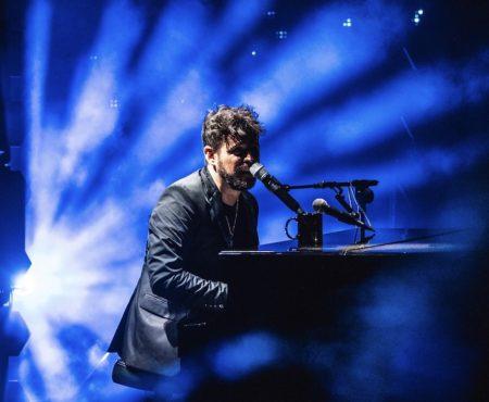 Pablo López desnuda emociones en Starlite con su piano y su libertad salvaje