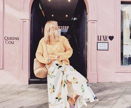 Si tuviésemos que comprarnos ahora mismo una falda sería sin duda la de Olivia Palermo