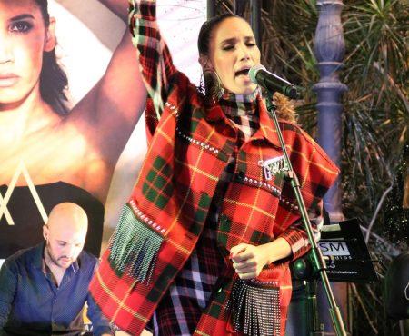India Martínez moviliza contra la violencia de género a Pablo Alborán, Aitana o Vanesa Martín entre otros artistas, versionando su tema 'CONMIGO'