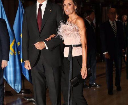 El día que nos colamos en el backstage de la firma (made in Spain) que ha vestido con éxito a la Reina Letizia