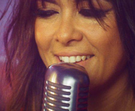 Vanesa Martín lanza nuevo single inédito 'Caída Libre' (algunos afortunados le escucharon por primera vez en Cap Roig)