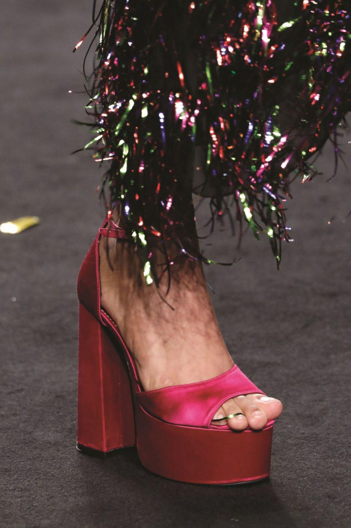 En el desfile de Ana Locking hemos visto una tendencia que se hará viral (palabra de editora de moda)