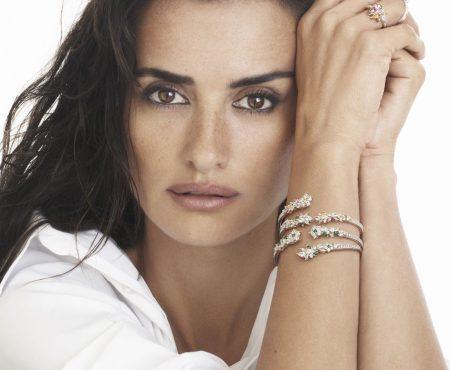 Penélope Cruz diseña una colección de joyas (IDEALES) en beneficio de causas medio ambientales