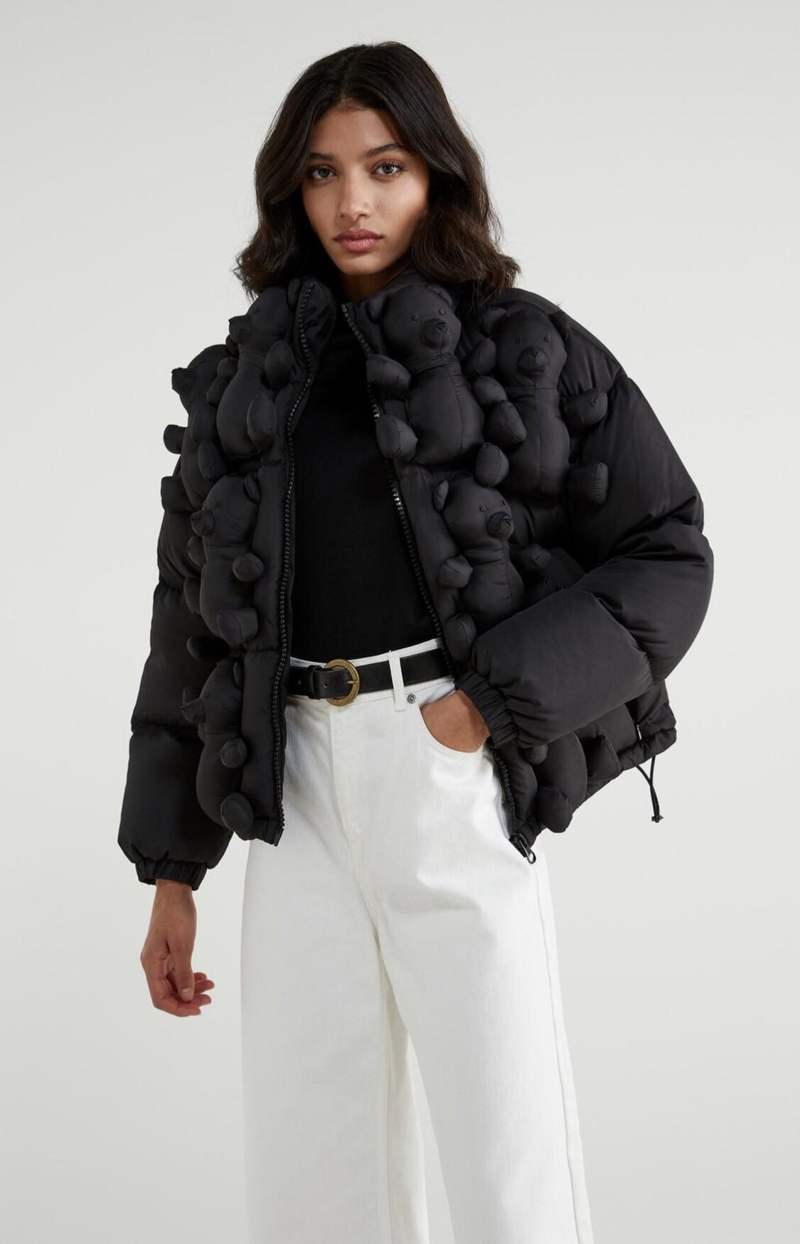 Este es el abrigo lleno de osos de peluche de Benetton del que todo el mundo habla (y las demás versiones son todavía más bonitas)